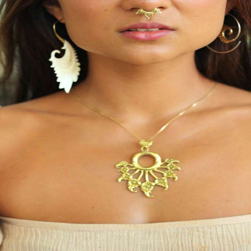 Natural Body Jewelry: Natural Ornaments for Body